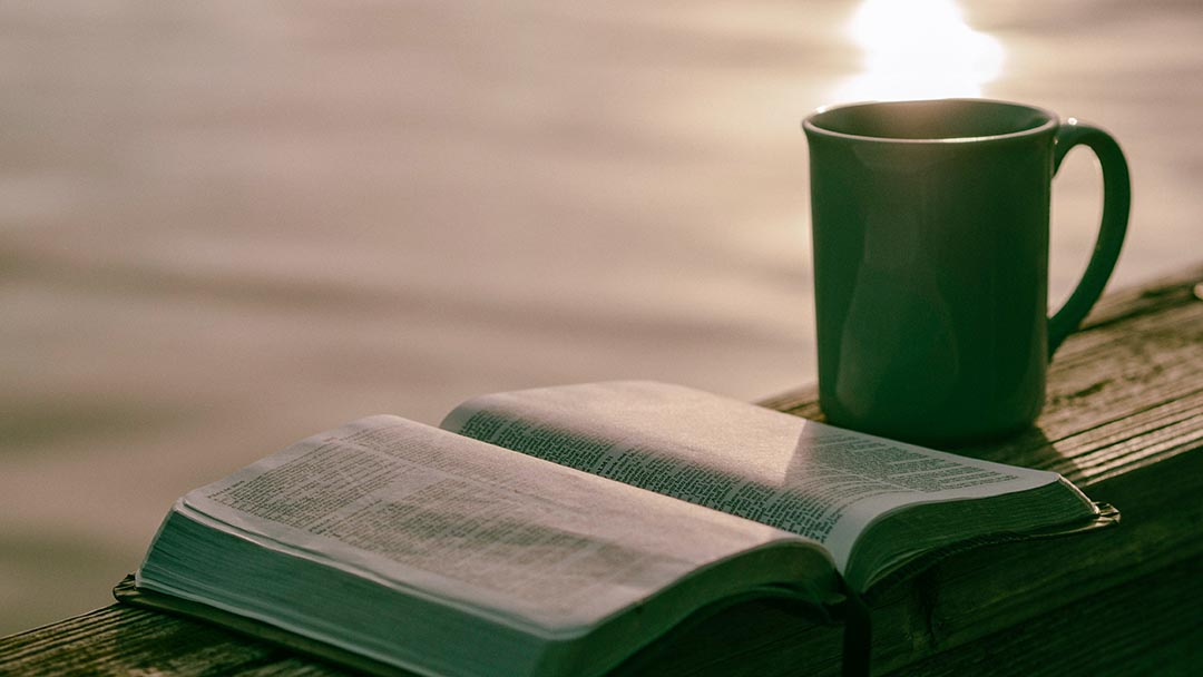 Kutsal Kitap'ı Okumak Önemli midir?